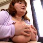 36歳Mカップ爆乳ぽっちゃり母さん安岡たまきが自宅で息子とSEX近親相姦