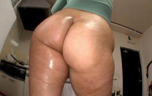 130cmの巨尻アナルセックスによがり狂うドスケベパイパンダイナマイトデカ尻人妻